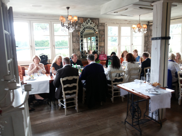 The rrcm pictures of the first members lunch on the 30 of for Ambiance cuisine nice